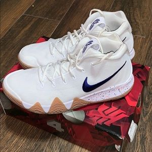 Kyrie 4 uncle drew basketball shoes.